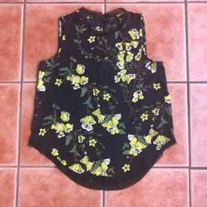 Who What Wear Tank 🦚 Floral Black Sleeveless Top